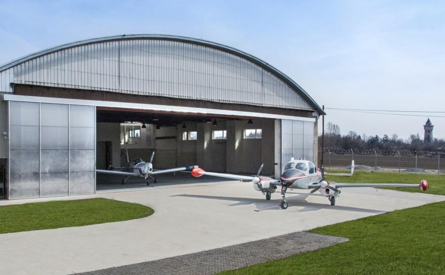 hangar trava